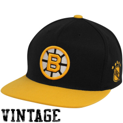 Mitchell   Ness Boston Bruins Black-Gold NHL Sharktooth Snapback Adjustable  Hat 91a018b46365