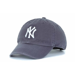 official photos 94db5 4115b New York Yankees  47 Brand MLB Womens Confetti T-Shirt